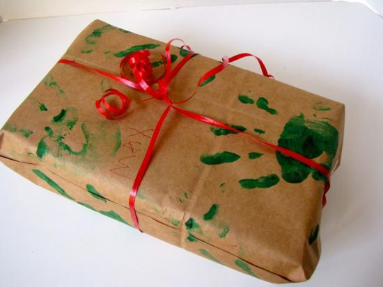 DIY Handprint Gift Wrap